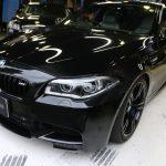 F10M5なお客様に3Dデザイン車高調など、3DデザインPartsお取り付け。