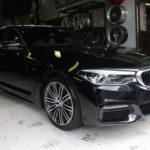 ド新車なG30に、アクセスエボリューションの新車納車Set!